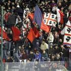 Cagliari, pugno duro contro i tifosi: tre ultras espulsi a vita per cori razzisti
