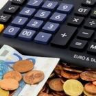 """Aumento Iva dal 2019, pericolo stangata: """"Fino a +1000 euro a famiglia"""", consumi a rischio"""