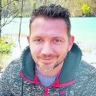 Contro un platano durante l'ultima consegna, Domenico muore a 43 anni