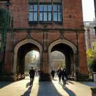 Gran Bretagna, focolaio Covid in due università di Newcastle: quasi duemila studenti positivi in una settimana