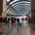 Psicosi coronavirus, a Milano stazioni e metro deserte