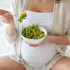 """Dieta vegana in gravidanza è pericolosa per il feto: """"Rischio danni neurologici"""""""