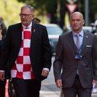 Croazia, ministri sfilano con la maglia a scacchi