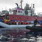 Migranti, Lifeline su Twitter: la nave batte bandiera olandese, ecco la prova