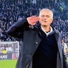 Mourinho provoca tifosi della Juve, poi si scusa