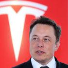 Tesla, ancora guai per Elon Musk. Usa aprono indagine per frode: titolo crolla in Borsa