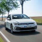 Golf 8 cala il tris d'assi: ecologiche e sportive. La best seller Volkswagen si fa ibrida: arrivano la plug-in e la 48 Volt