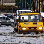 L'uragano Lorenzo si avvicina all'Italia. «Da domani allerta gialla in otto regioni»