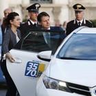 La prima volta di Conte (in taxi) tra profilo basso e stile Dc