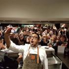 Alessandro Borghese e l'elogio dei social: «Insieme alla tv hanno dato nuova energia alla cucina»