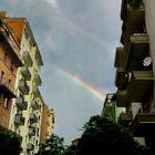 E spunta il doppio arcobaleno dopo il temporale