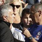 Premier, pari tra Chelsea e United e rissa sfiorata tra Mourinho e Sarri