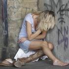 Risponde all'annuncio per baby sitter: violentata da una coppia di coniugi