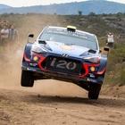 WRC, Neuville (Hyundai i20) consolida il primato in Portogallo davanti a Evans (Ford Fiesta)