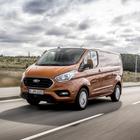 Ford, arrivano i commerciali ricaricabili ed elettrici: Transit dà la scossa