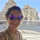 Capri, Simona Ventura e il selfie tra i Faraglioni: «È emozionante»