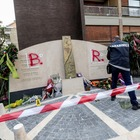 Nuovo sfregio al monumento di Moro: sulla lapide la scritta BR