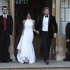 Gli sposi si cambiano, poi via in decappottabile: ecco il secondo abito da sposa Foto