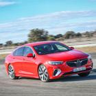 Opel Insignia GSI, la berlina sportiva per la famiglia che non toglie spazio a comfort e sicurezza