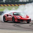 """488 Pista da favola. Al volante sul tracciato di Fiorano della nuova Ferrari """"speciale"""""""