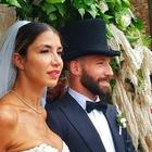 È polemica per le nozze di Tonelli:  «Sposa troppo scollata in chiesa»