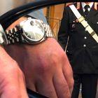 Pretendono 3mila euro per finti danni a orologio: arrestati truffatori
