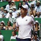 Lajovic l'altro finalista: battuto Medvedev in due set