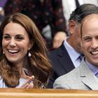 Meghan Markle, surclassata da Kate e William per sobrietà: la famiglia reale va in vacanza con un volo da 73 sterline