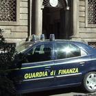 Due tonnellate di hashish in una mietitrebbia: due persone arrestate dalla Finanza