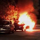 L'auto di un'imprenditrice incendiata sotto casa in via De Gasperi