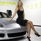 Porsche sotto i riflettori del Los Angeles Auto Show. Debutto in Usa per Panamera Hybrid, 718 Boxster, 718 Cayman e Cayenne