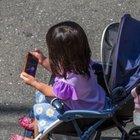 Bambini fino a due anni mai davanti a tv, pc e smartphone: l'allarme dell'Oms
