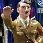 Napoli, c'è Hitler tra i pastori di San Gregorio e il web s'infuria