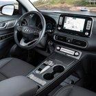 Hyundai Kona Elettrica. Evoluzione a bordo: consolle centrale ridisegnata e pavimento più alto
