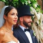 Lorenzo Tonelli sposa la sua Claudia, ma il matrimonio finisce in polemica: «Sposa troppo scollata in chiesa»