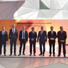 Il board di Seat con al centro il presidente Luca de Meo
