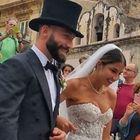 Tonelli si sposa, ma la sua  Claudia è troppo scollata L'Ira del vescovo