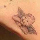 Chiara Ferragni, tatuaggio con il figlio Leo: «Il mio angioletto». Ma i fan notano un dettaglio