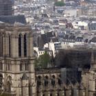 Notre-Dame oggi. Salva la struttura. Macron: «La ricostruiremo tutti insieme»
