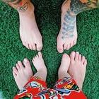 Chiara Ferragni, foto dei piedi con Fedez e Leone. I fan notano un particolare