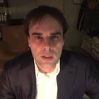 Il delirante videomessaggio:«Società segrete vi controllano la mente»