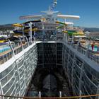 Ecco Symphony of the Seas, la nave più grande del mondo: una città sul mare