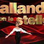 Ballando con le stelle bloccato dal Covid, ci sarebbe un ballerino positivo, ma Rosalinda Celentano è negativa