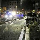 Schianto su Corso d'Italia, l'auto sbanda e si incastra nel guardrail: grave 37enne, ubriaco e drogato