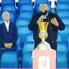 Finale di Coppa Italia, gaffe di Sergio Sylvestre che dimentica l'inno di Mameli