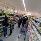 Panico a Palermo: nei supermercati scaffali vuoti