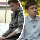 Ha 25 anni ma vive nel corpo di un 12enne: la strana malattia di Tomasz
