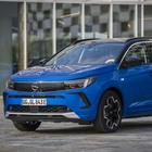 Opel rivoluziona la Grandland. Nuovo look e inedite tecnologie al debutto. Con il 2° motore elettrico diventa a trazione integrale