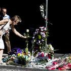 Carabiniere ucciso, fiori sul luogo dell'omicidio