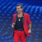 Sanremo 2020, Piero Pelù con il lutto al braccio «Mi vergogno di essere uomo». Cosa è successo?